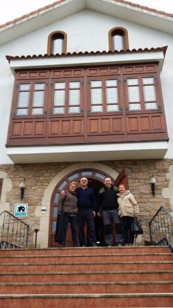 Bértoa, España: Puerta del Hotel Rural Mar de Queo2