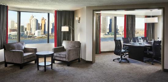 BEST WESTERN PLUS Waterfront Hotel: Executive Suite