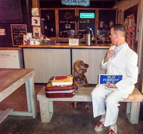 Saint Helena Island, SC: Forrest Gump at the Lowcountry Store's Blue Dog Cafe