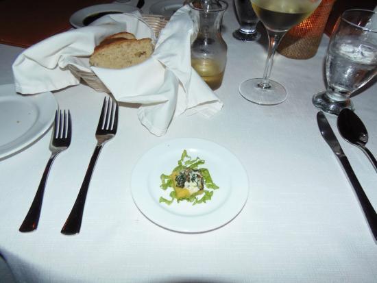 Palmilla Restaurant: Amuse bouche at Palmilla of Victoria House, Ambergris Caye
