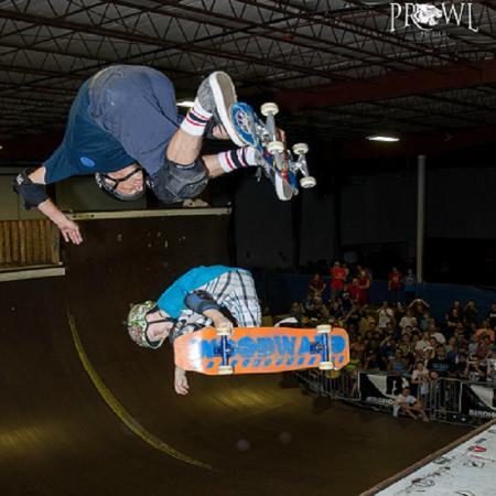 Tony Hawk & Lil Jordan @ Ollie's Skatepark
