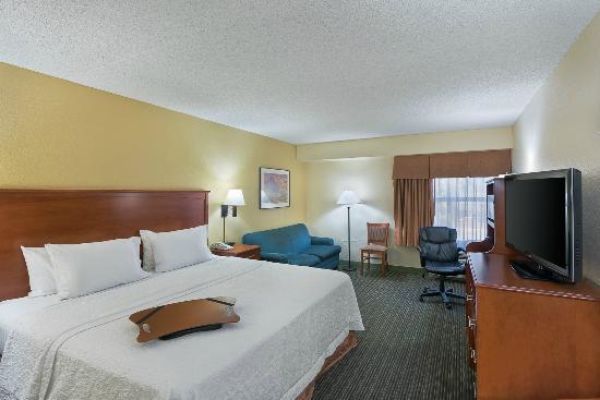 Hampton Inn Tucson-North: Guest Room