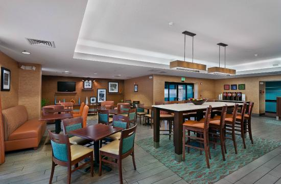 Hampton Inn Tucson-North : Breakfast Area