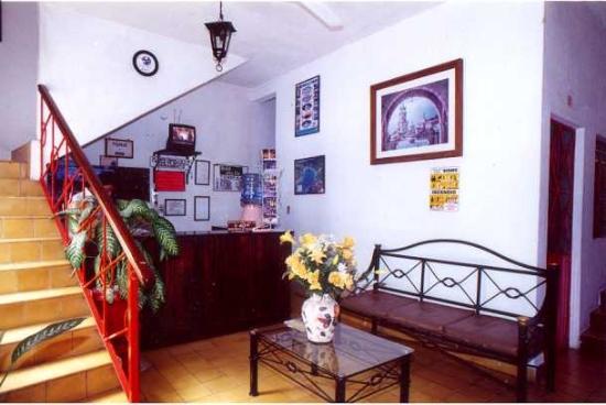 Hotel Ana Liz : acceso y lobby