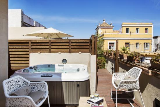 Habitaci n deluxe premium con terraza y jacuzzi picture - Terrazas con jacuzzi ...