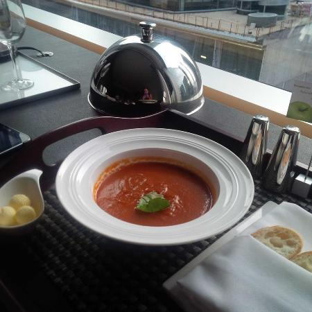 Hotel Le Germain Maple Leaf Square: Room Service - Tomato soup
