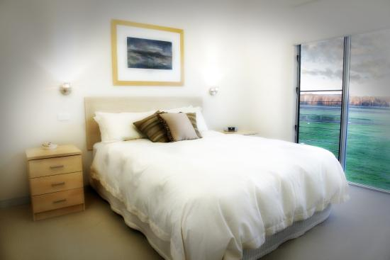 Adina Vineyard & Olive Grove: Bedroom