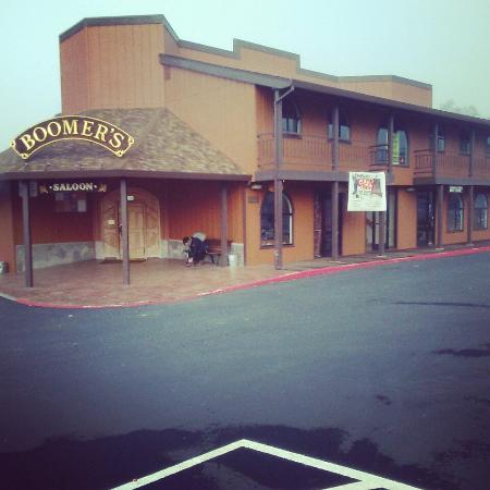 Laytonville, Kaliforniya: Boomers Saloon