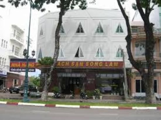 10 Hotel