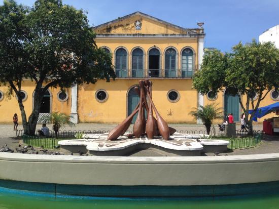 Monumento às Rendeiras