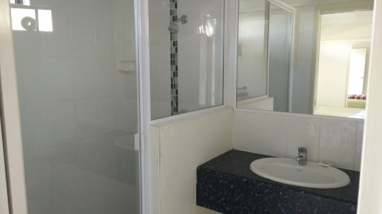 Emu Park, Australia: Own Bathroom for the room, nice and clean