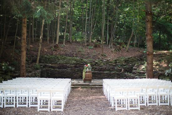 Fleischmanns, État de New York : Ceremony Site