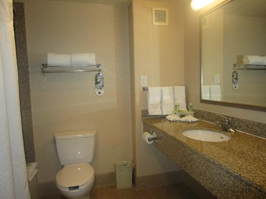 Bathroom Picture Of Holiday Inn Express Hotel Suites Lincoln Lincoln Tripadvisor
