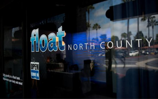 Solana Beach, CA: Float North County entrance
