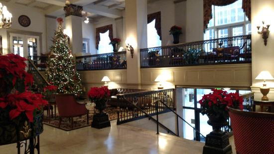 The Abraham Lincoln: Lobby, decorated for the holidays