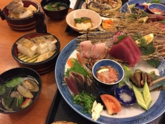 Hotel No.1 Kochi: 皿鉢料理