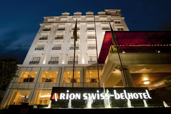 Arion Swiss-Belhotel Kemang Jakarta: Hotel Building night view