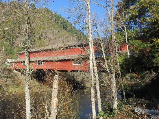 Oakridge, Oregón: Near Highway 58 Office Bridge at Westfir Oregon
