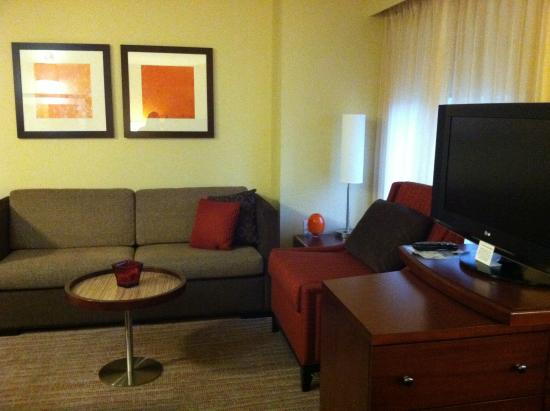 Residence Inn Sacramento Downtown at Capitol Park: sofas