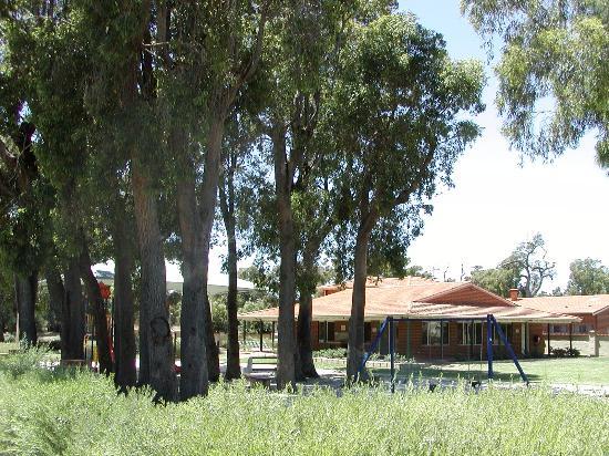 Banksia Tourist Park: Natural Park settings