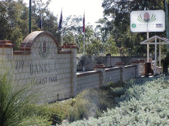 Banksia Tourist Park: Midland Road