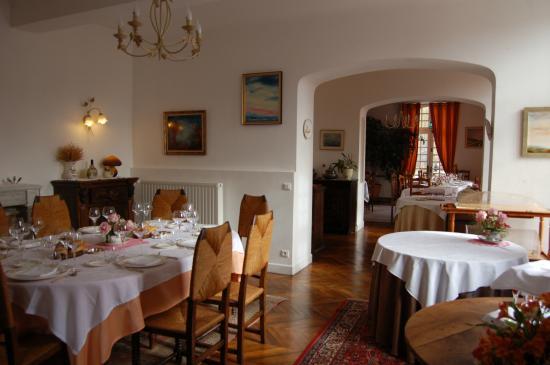 enfilade salles de restaurant photo de la maison d 39 antan arzacq arraziguet tripadvisor. Black Bedroom Furniture Sets. Home Design Ideas