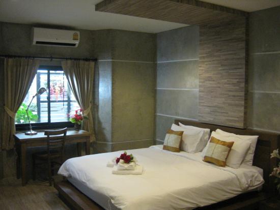Komol Residence Bangkok: ห้องซูพีเรียวิวสวน