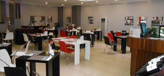 The City Cafe: Dining Area