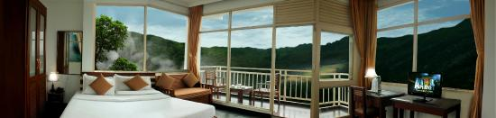 Chinnakanal, India: Panoramic View from Living space in Room
