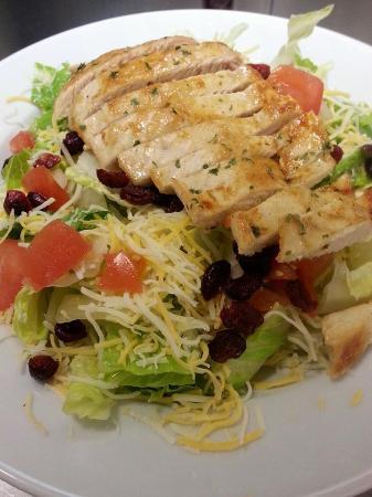 Tenino, WA: grilled chicken salad - so fresh!