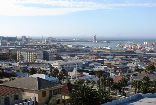Garden Court Nelson Mandela Boulevard: Blick aus dem Zimmer