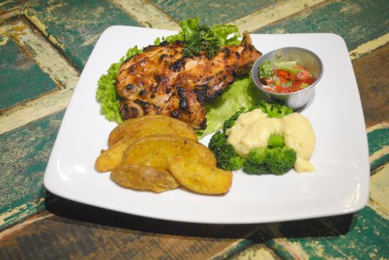 Asmara Art & Coffee Shop: Brazilian Piri Piri Chicken