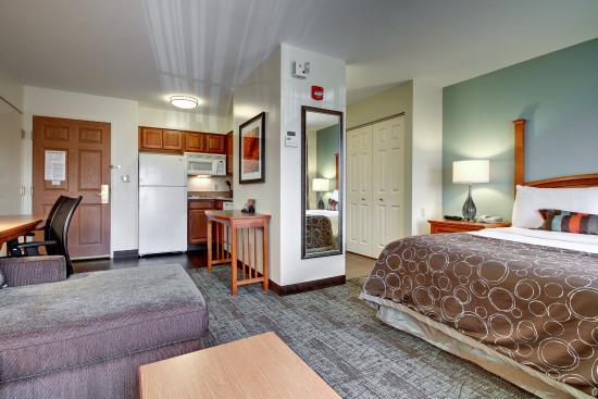 Staybridge Suites Madison East: Single Bed Guest Room