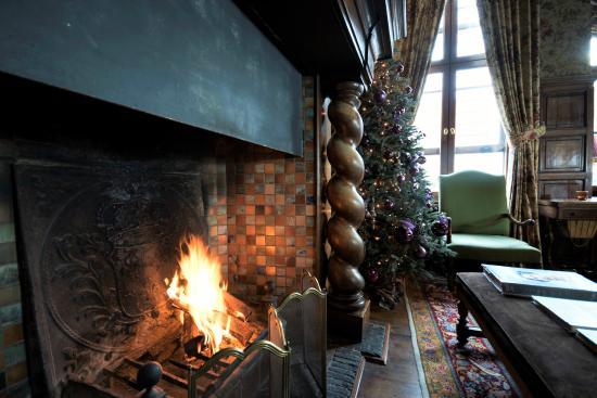 Hotel de Orangerie: Open fire