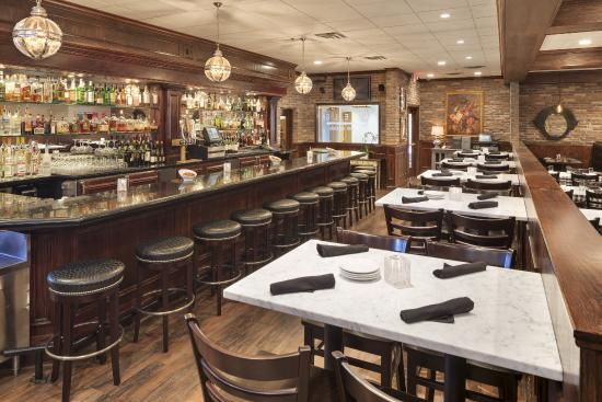 Radisson Hotel Roseville: Axels Bar