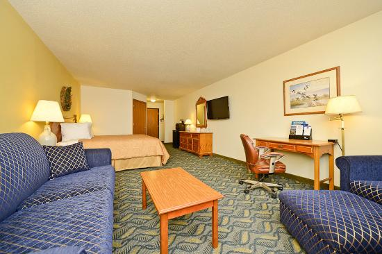 Red Wing, MN: Queen Leisure Guest Room