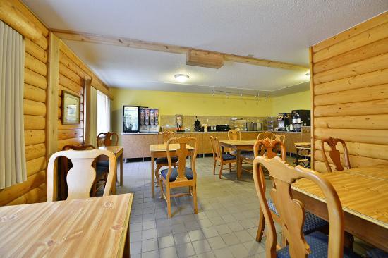 Red Wing, MN: Breakfast Area