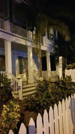 Bone Island Ghost Tours - Haunted Pub Crawl: 20151209_201716_large.jpg
