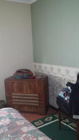 Dullstroom Inn: Bedroom furniture - Not sure what this is