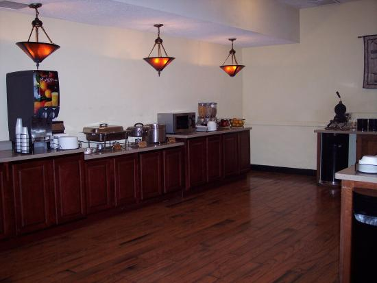 Radford, VA: Breakfast Bar