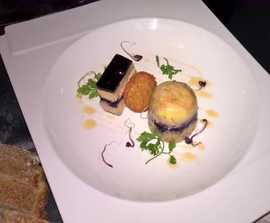 Grilled oysters picture of la queue de cochon tignes - Queue de cochon outil ...