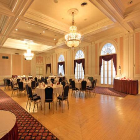 Glens Falls, estado de Nueva York: The Ballroom