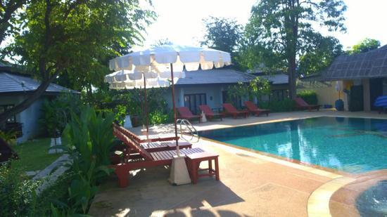 Kao Tao Villa Beach Resort: pool