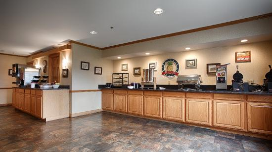 BEST WESTERN Cooperstown Inn & Suites: Breakfast Buffet
