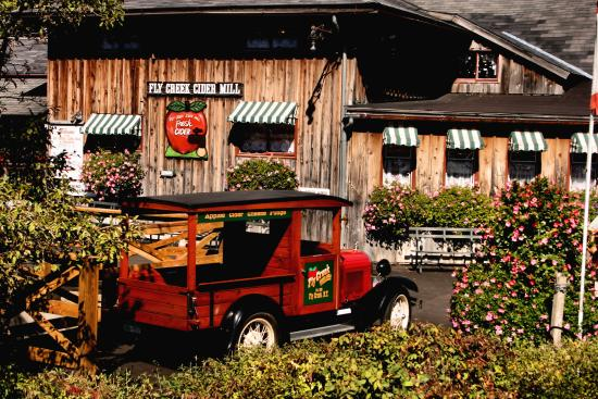 BEST WESTERN Cooperstown Inn & Suites: Fly Creek Cider Mill