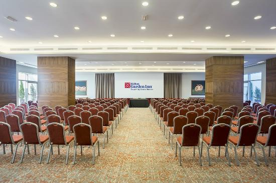 Dedicated space for your meetings and events at Hilton Garden Inn