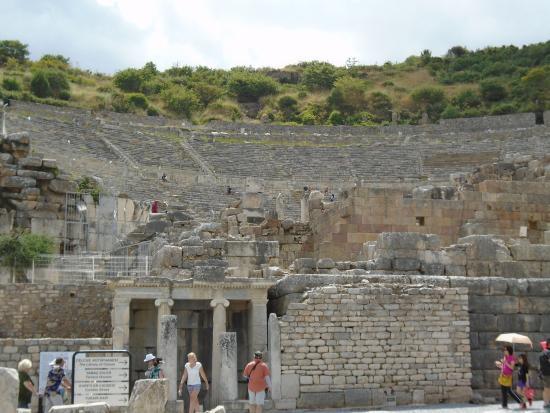 Ephesus AmphiTheatre - Picture of Efes Antik Kenti ...