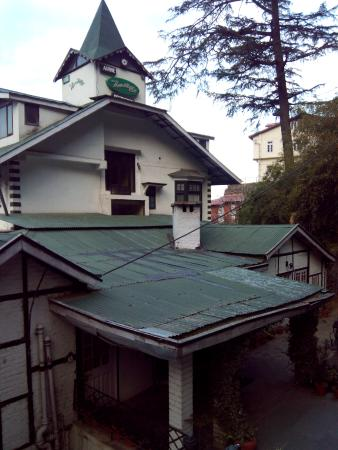 Alpine Heritage Residency : Hotel enterance