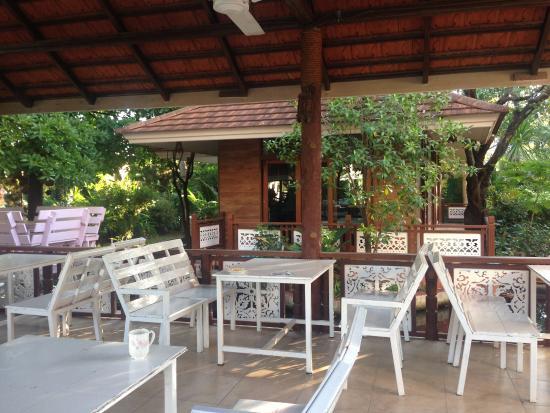 Lemur Resort