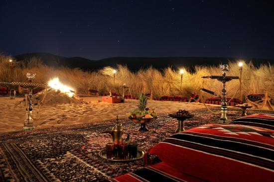 Hamim, United Arab Emirates: Qasr Al Sarab Desert Resort by Anantara - Hazeerah Camp Fire